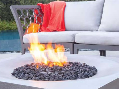elegant-outdoors-fire-pit